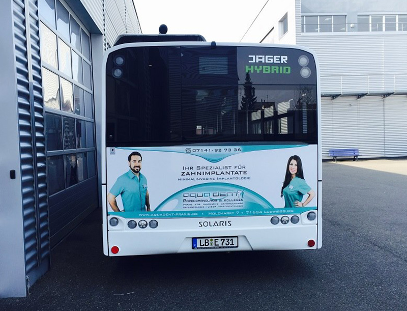 Arztpraxis Buswerbung, Urbane Werbung, Werbung Bus, Werbung Bushaltestelle